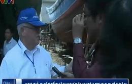 Học giả quốc tế thăm ngư dân bị tàu Trung Quốc đâm