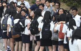 Học sinh ngày đầu tiên trở lại trường sau vụ chìm phà Sewol