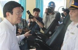 Chủ tịch nước thăm nơi sửa chữa các tàu Cảnh sát biển