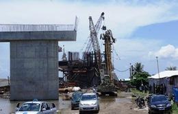Sập cần cẩu thi công đường ô tô cao tốc Hà Nội - Hải Phòng