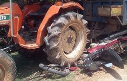 Ô tô tự chế cán nát xe máy