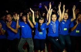 Ca sĩ Vietnam Idol 2013 ra Lý Sơn tiếp sức ngư dân