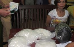 Bắt vụ vận chuyển 6kg ma túy đá bằng taxi