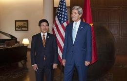 Phó Thủ tướng gặp gỡ Ngoại trưởng Mỹ, Ấn Độ bên lề AMM