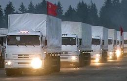 Đoàn xe cứu trợ của Nga tiến về biên giới Ukraine