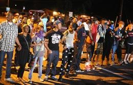 Bạo loạn nhiều nơi tại Mỹ sau vụ thanh niên da màu bị bắn chết