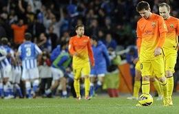 Pique bị đuổi, Barca thua trận đầu tiên