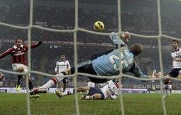 Pazzini giúp Milan trở lại đường đua