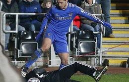 Hazard gây chuyện, Chelsea lãnh đủ
