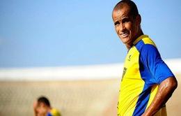 Rivaldo ký hợp đồng mới ở tuổi 40