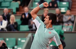 Nole nhọc nhằn vào vòng 2 Roland Garros
