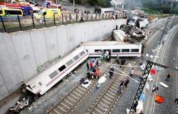 Cận cảnh đoàn tàu đổ nát sau tai nạn kinh hoàng ở Tây Ban Nha