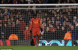 Kolo Toure phản lưới nhà,, xô ngã trọng tài chính