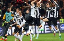 AC Milan 0-2 Juventus: Tevez nã đại bác, San Siro vỡ vụn