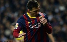 Tỏa sáng ở El Clasico, Messi vượt qua huyền thoại Di Stefano