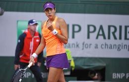 Tay vợt gây sốc khi hạ Serena ở vòng 2 Roland Garros mạnh về đánh đôi