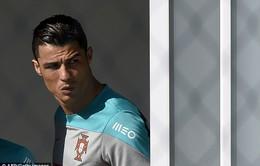 """Trước trận gặp Mỹ, Ronaldo đau đầu tính cách """"trốn"""" fan cuồng Brazil"""