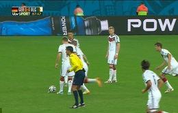 Muller và các đồng đội có pha dàn xếp đá phạt tệ nhất lịch sử World Cup