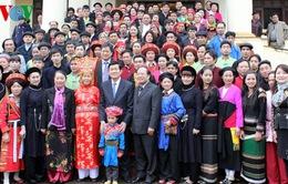 Chủ tịch nước thăm Làng Văn hóa du lịch các dân tộc Việt Nam