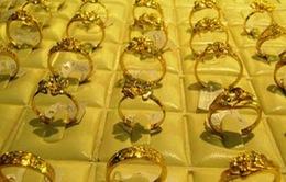 Giá vàng giảm 250.000 đồng/lượng