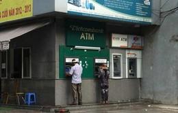 12 ngân hàng áp dụng thu phí ATM