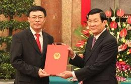 Phong hàm Đại sứ cho 35 cán bộ ngoại giao