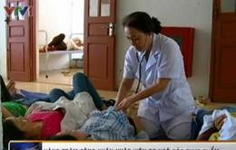 Hưng Yên: Hàng trăm công nhân bị ngộ độc