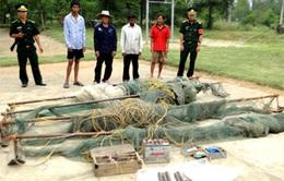 Hà Tĩnh: Bắt 5 đối tượng đánh cá bằng thuốc nổ