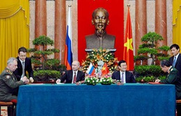 Việt Nam - LB Nga ký kết 17 văn kiện hợp tác