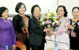 Phó Chủ tịch nước Nguyễn Thị Doan thăm Nhà giáo ưu tú Nguyễn Ngọc Ký