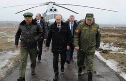 Tổng thống Putin thị sát quân đội Nga tập trận