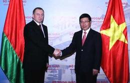 Việt Nam coi trọng phát triển quan hệ hợp tác với Belarus