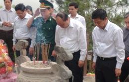 Phó Thủ tướng Nguyễn Xuân Phúc viếng mộ Đại tướng Võ Nguyên Giáp