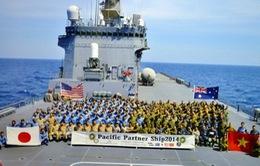 Tàu đổ bộ JS Kunisaki Nhật Bản thăm hữu nghị Việt Nam