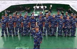 Trao quà cho lực lượng Cảnh sát Biển và Kiểm ngư