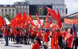 Người Việt tại nước ngoài tuần hành phản đối Trung Quốc
