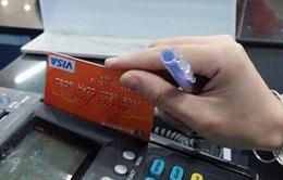 Hà Nội: Bắt người Trung Quốc dùng thẻ thanh toán giả