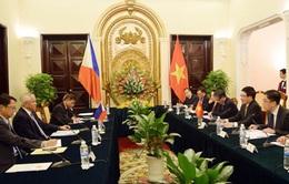 Ngoại trưởng Philippines chỉ trích hành động của Trung Quốc