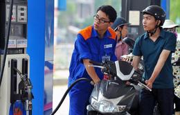 Không giảm thuế xăng dầu thay thế cho việc tăng giá