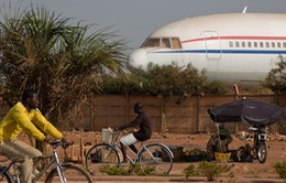 Tìm thấy xác máy bay AH5017 tại Mali