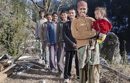 Thiếu nữ Ấn Độ cưới cả 5 anh em ruột