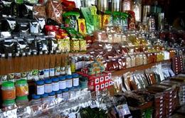 Đi chợ nổi Thái Lan, ăn hoa quả tươi rói