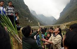 Trò chặt mía trong hội xuân miền núi