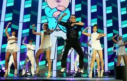 """PSY sẽ """"làm loạn"""" đêm chung kết American Idol"""