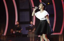 """""""Bà mẹ một con"""" của Vietnam Idol khiến NS Anh Quân tự hào"""