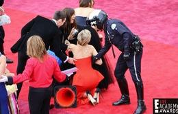Jennifer Lawrence vồ ếch lần 2 ở Oscar