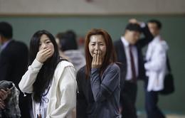 Chìm phà ở Hàn Quốc: Gia đình hành khách hoảng loạn chờ tin người thân