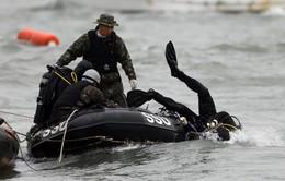 Vụ chìm phà Hàn Quốc: Thợ lặn đã nhìn thấy các thi thể mắc kẹt trong phà
