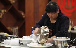 """Vua đầu bếp Việt - Tập 5: Món xoài """"hạ gục"""" thí sinh đầu tiên"""