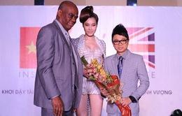 Công Trí đem thời trang Việt tới London Fashion Week